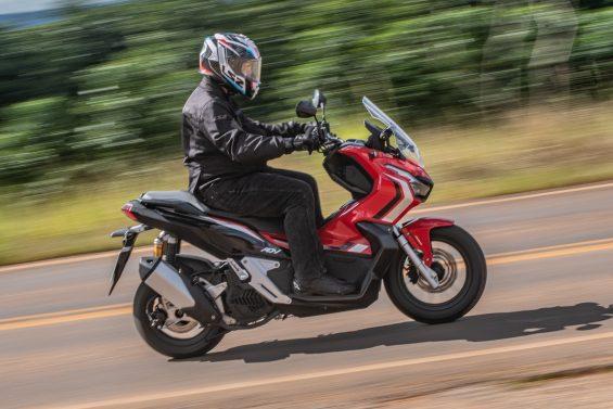 scooter honda adv 150 impressoes 13