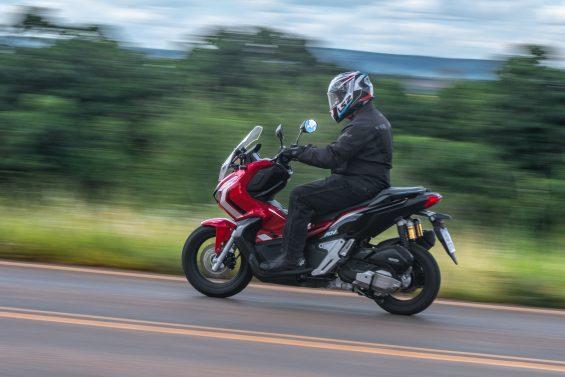 scooter honda adv 150 impressoes 15