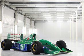 Primeiro carro de F1 pilotado por Michael Schumacher está à venda