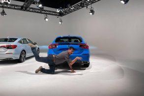 Foto do novo Honda Civic Hatch vaza após vacilo de Youtuber