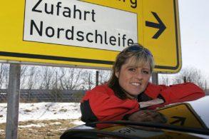 Primeira curva de Nurburgring agora se chama Sabine Schmitz