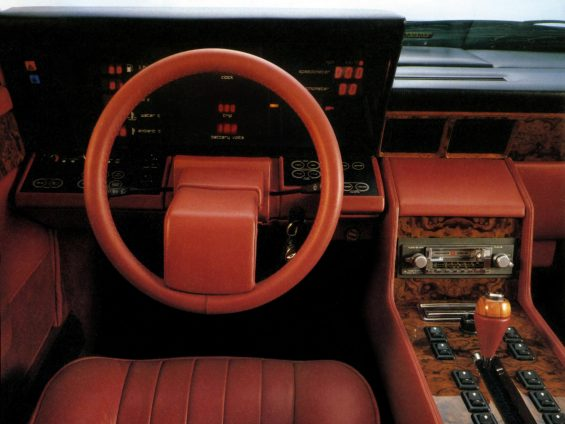 painel e volante do aston martin lagonda 1983