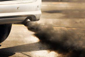 Absurdo: diesel carregado de enxofre
