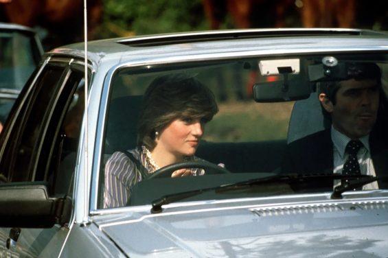 ford escort ghia 1981 princesa diana dirigindo foto de epoca getty images