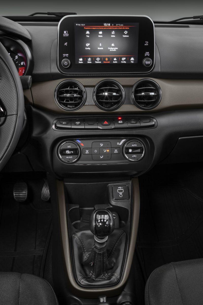 fiat cronos s design 1 3 2022 interior painel console central multimidia
