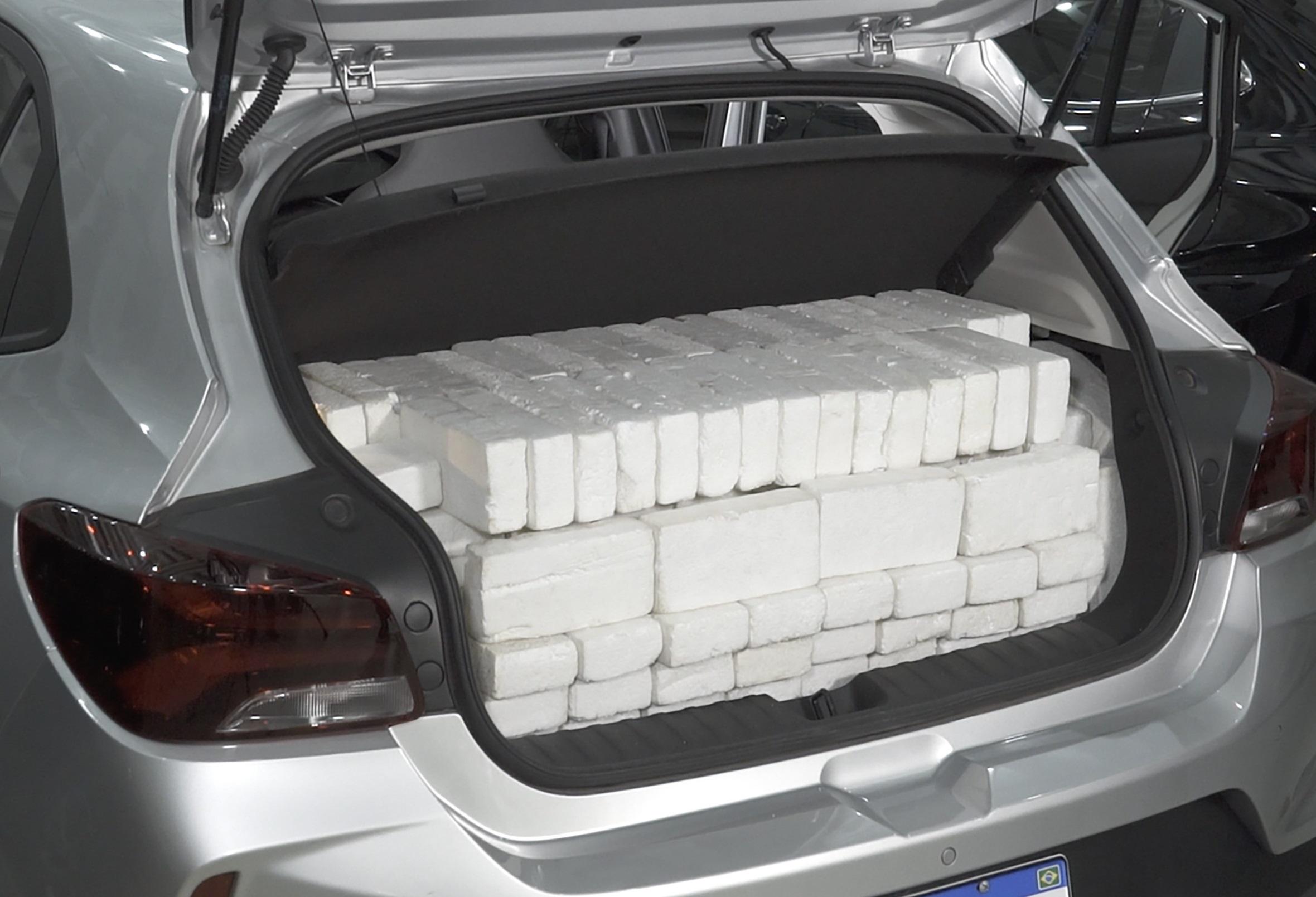 como medir porta malas do carro