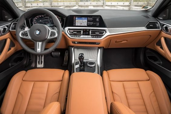 bmw m440i xdrive coupe interior painel acabamento marrom