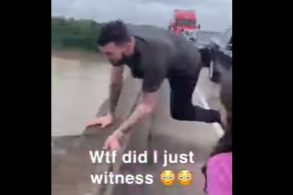 [Vídeo] Jovem pula de ponte para fugir de engarrafamento