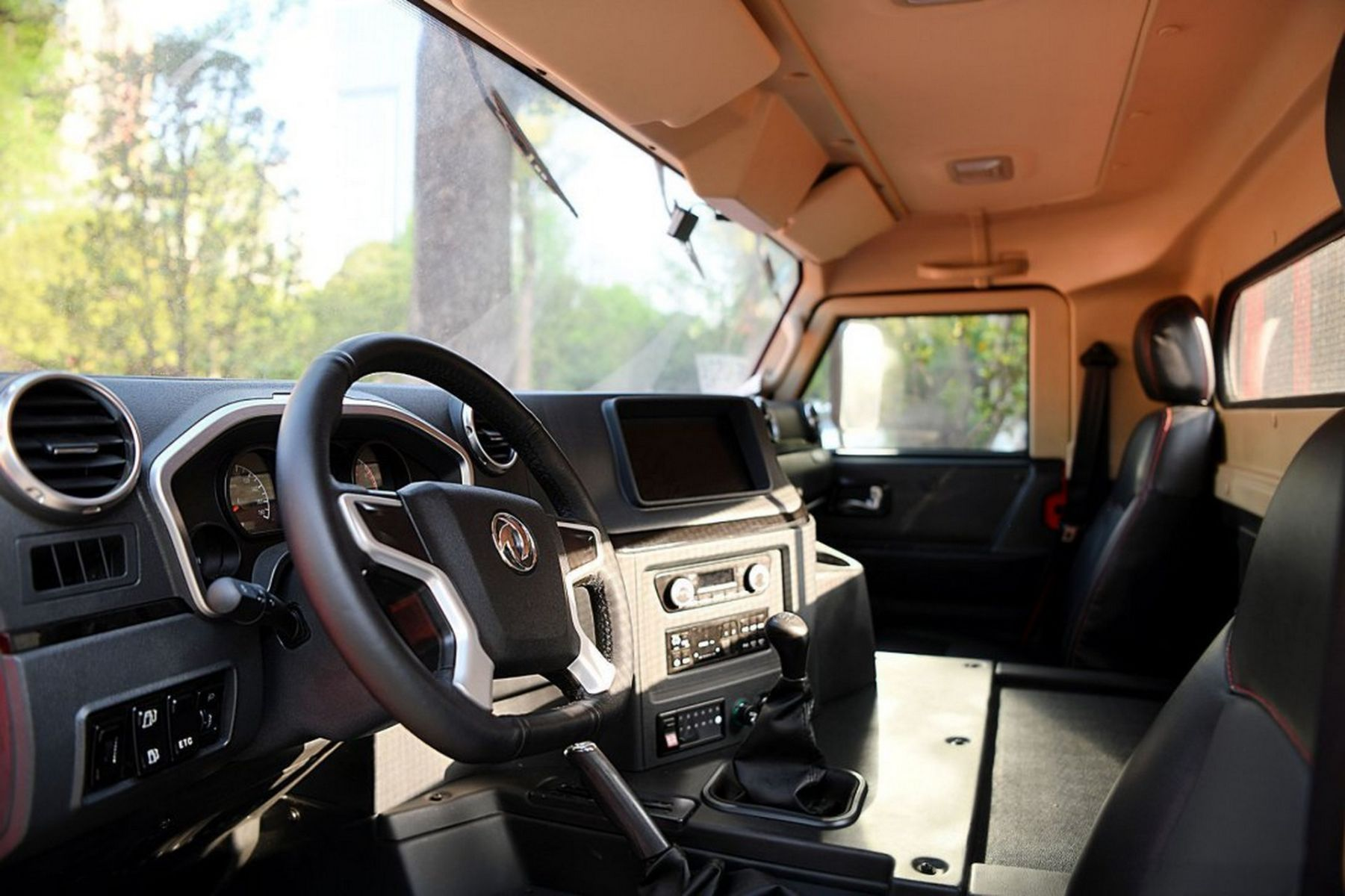 dongfeng warrior m50 interior painel