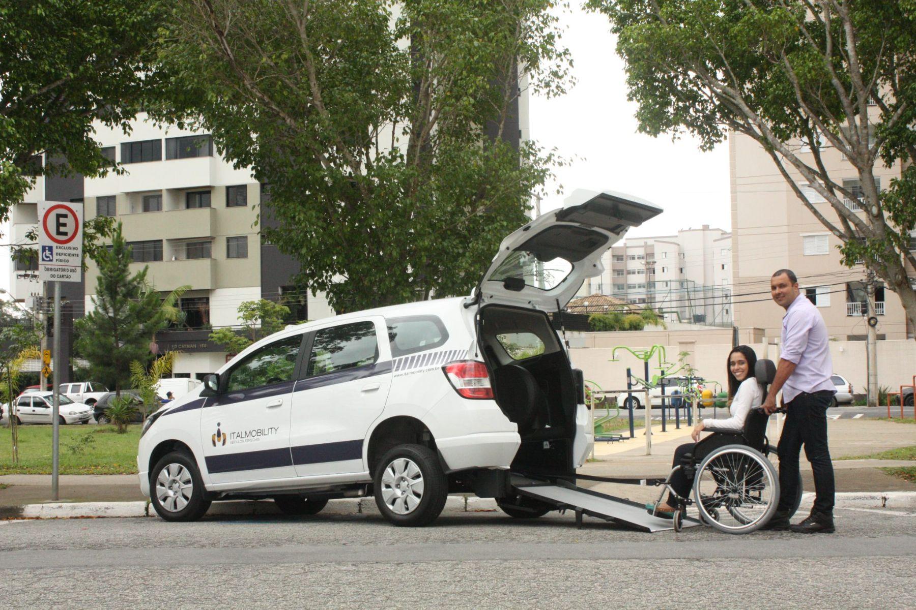chevroelt spin branca adaptada para transporte de cadeirante itamobility