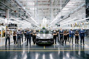Lamborghini Urus já vendeu 15 mil unidades pelo mundo