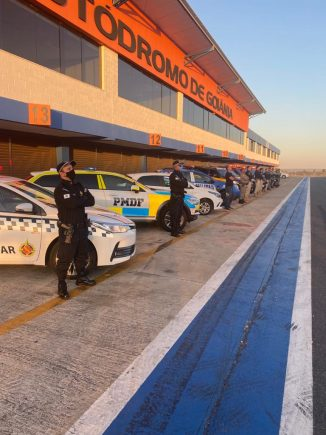 foto pmdf viatruas em testes no autodromo ayrton senna paddock policia
