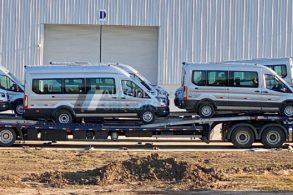 Ford Transit já é montada no Uruguai (de onde virá para o Brasil)