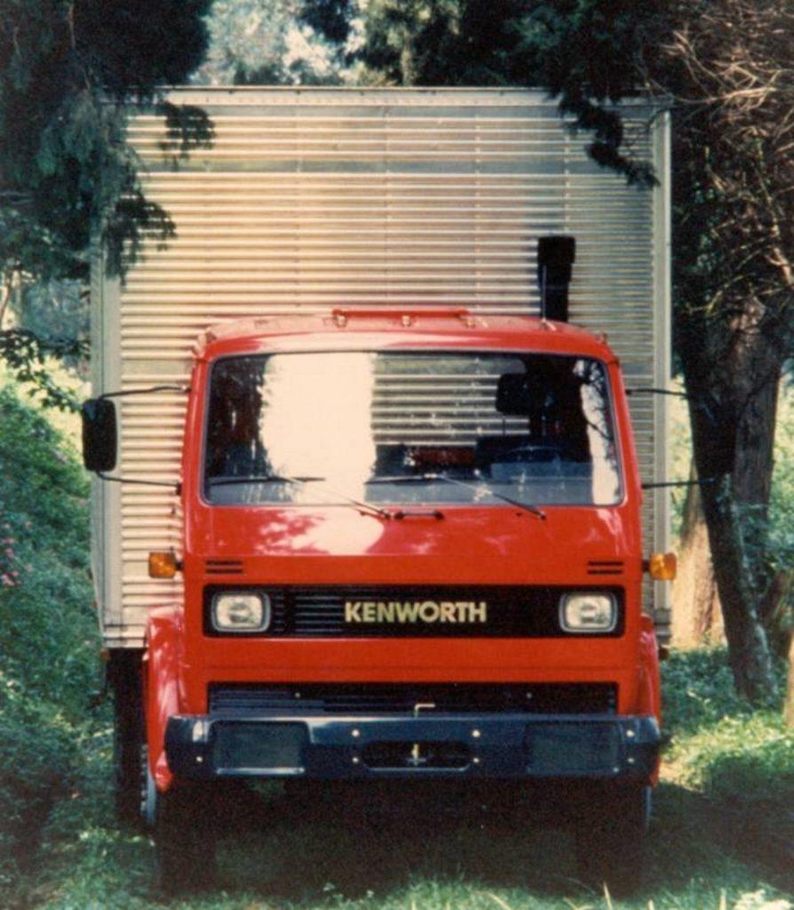 caminhao kenworth vermelho dianteira volkswagen