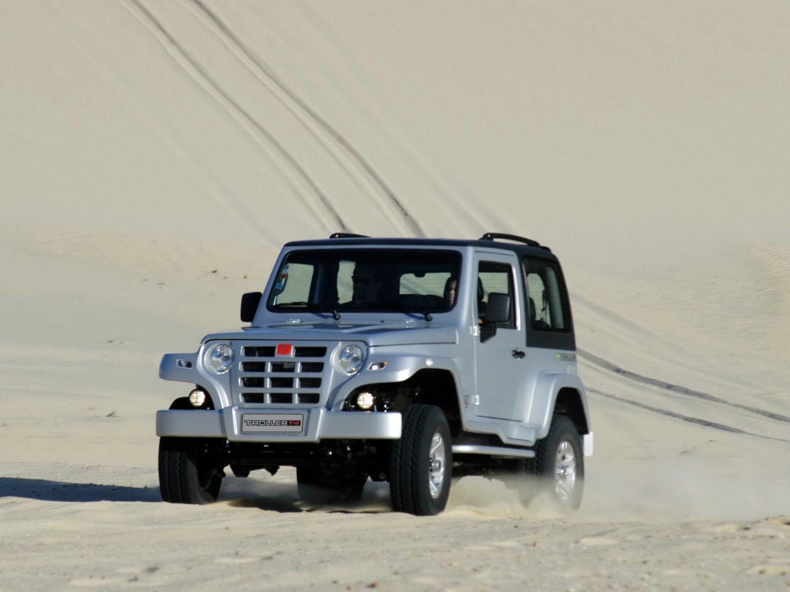 jipe troller t4 2009 prata off road em dunas de areia