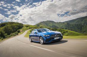 Ideal para o Brasil: Mercedes-Benz tem aviso de buraco