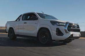 Essa é a Hilux esportiva que a Toyota nunca fez: ela tem um V8 AMG!