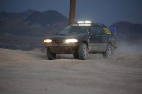 Subaru Outback preparado em casa não faz feio em rali 'casca grossa'