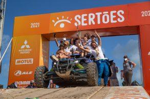 Equipe mineira Pocorrê termina o Rally dos Sertões e leva solidariedade