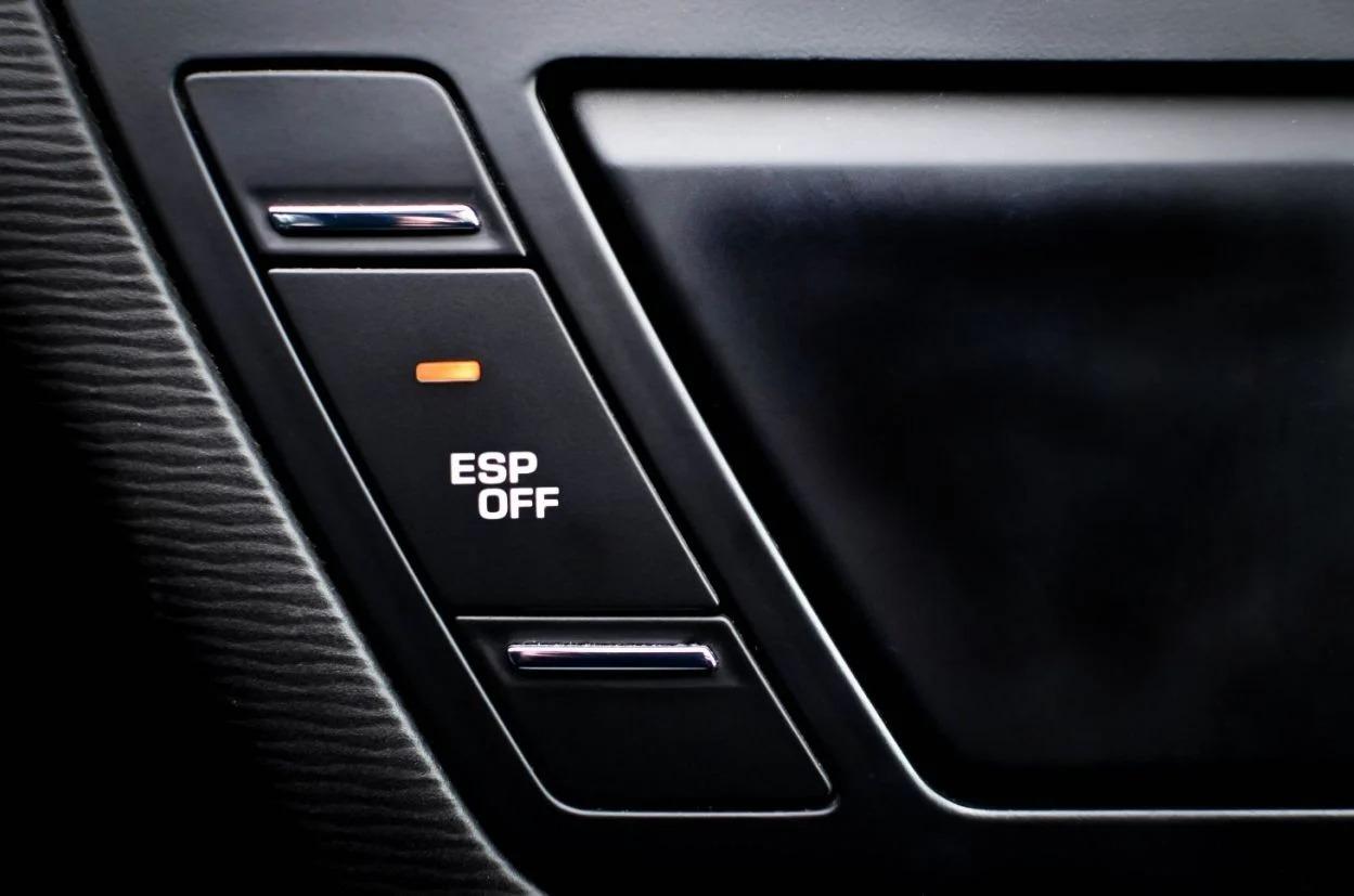 O controle eletrônico de estabilidade é um dos dispositivos de segurança mais importantes de um veículo