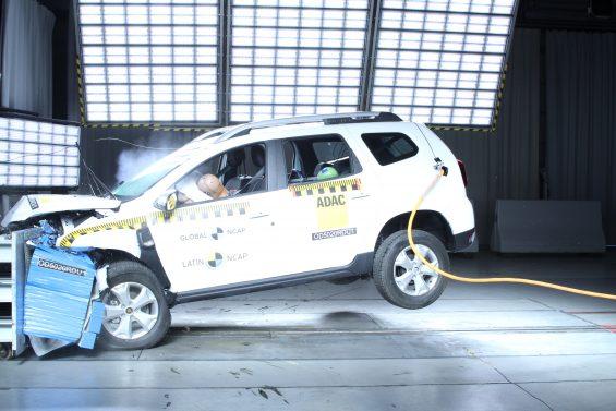 renault duster crash test latin ncap 9