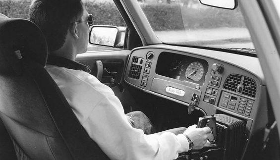 prototipo saab 9000 com joystick no lugar do volante