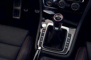Volkswagen irá abandonar o câmbio manual até 2030