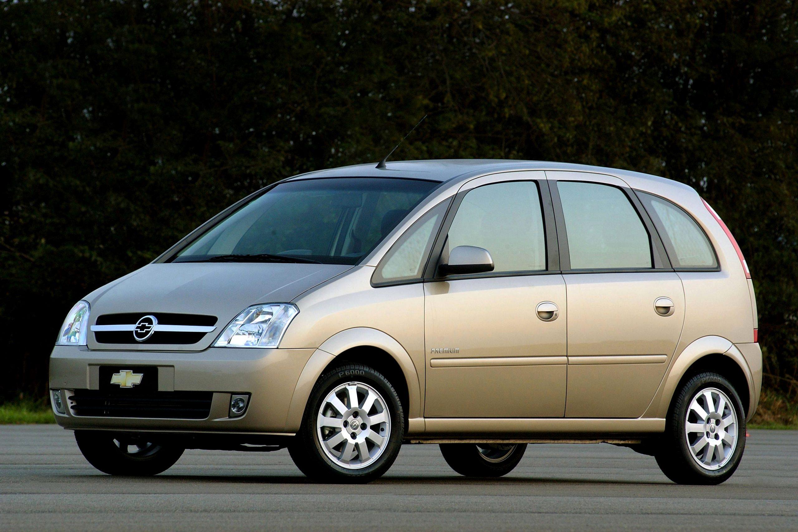 minivan chevrolet meriva premium 2004 dourada lateral