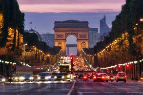 Paris implementa novo limite de velocidade de 30 km/h para toda a cidade