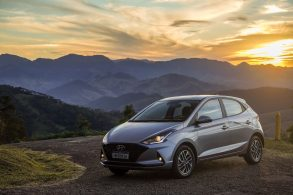 Hyundai HB20 2022 ganha novas versões turbo (até com câmbio manual)