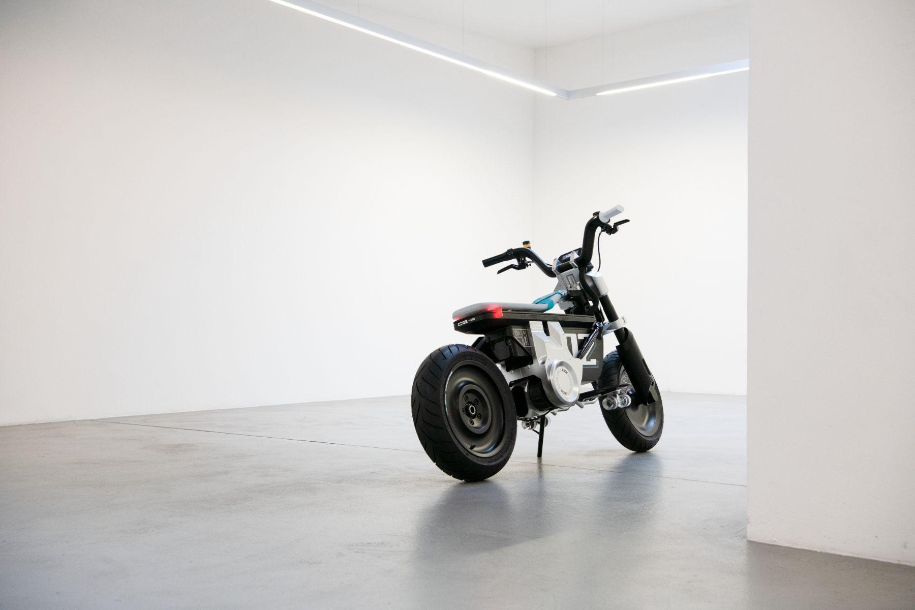 bmw motorrad concept ce 02 traseira