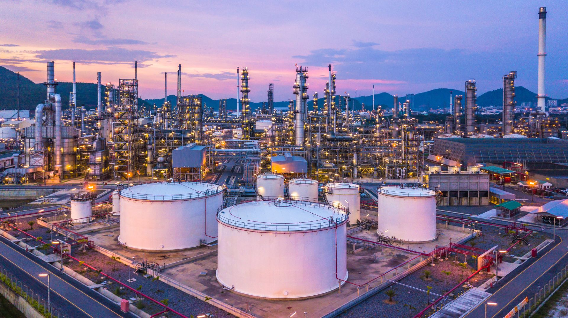 refinaria de petroleo vista aerea shutterstock