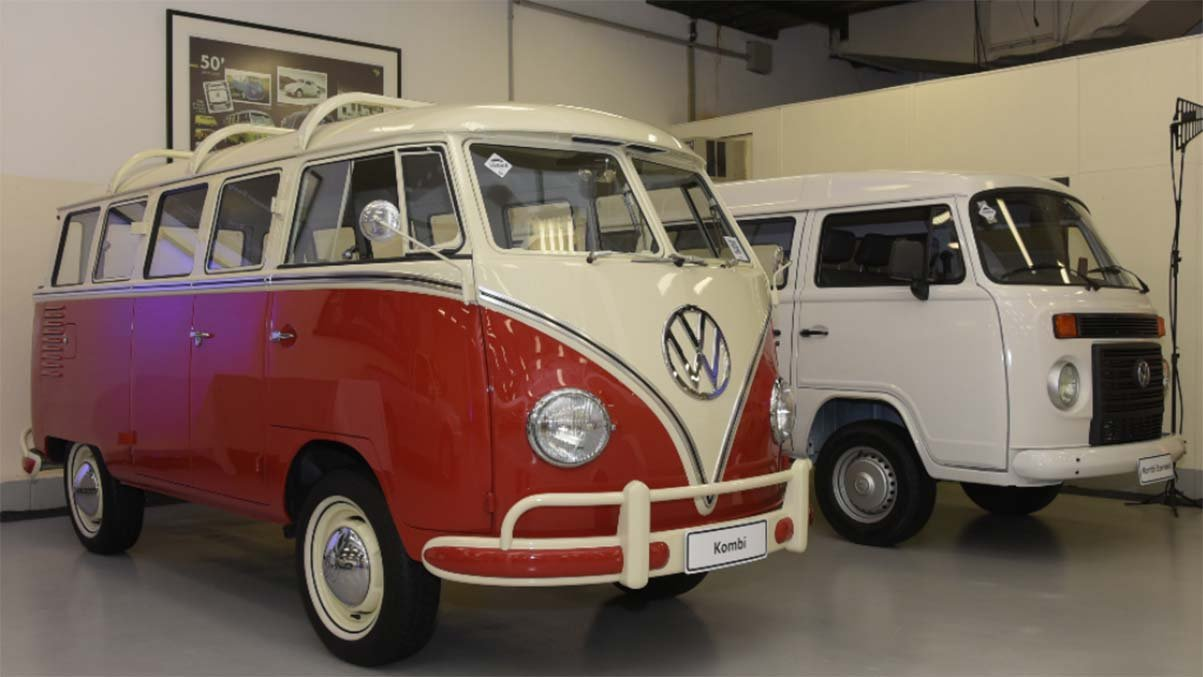 unidades da kombi mantidas no acervo de carros antigos nacionais da volkswagen