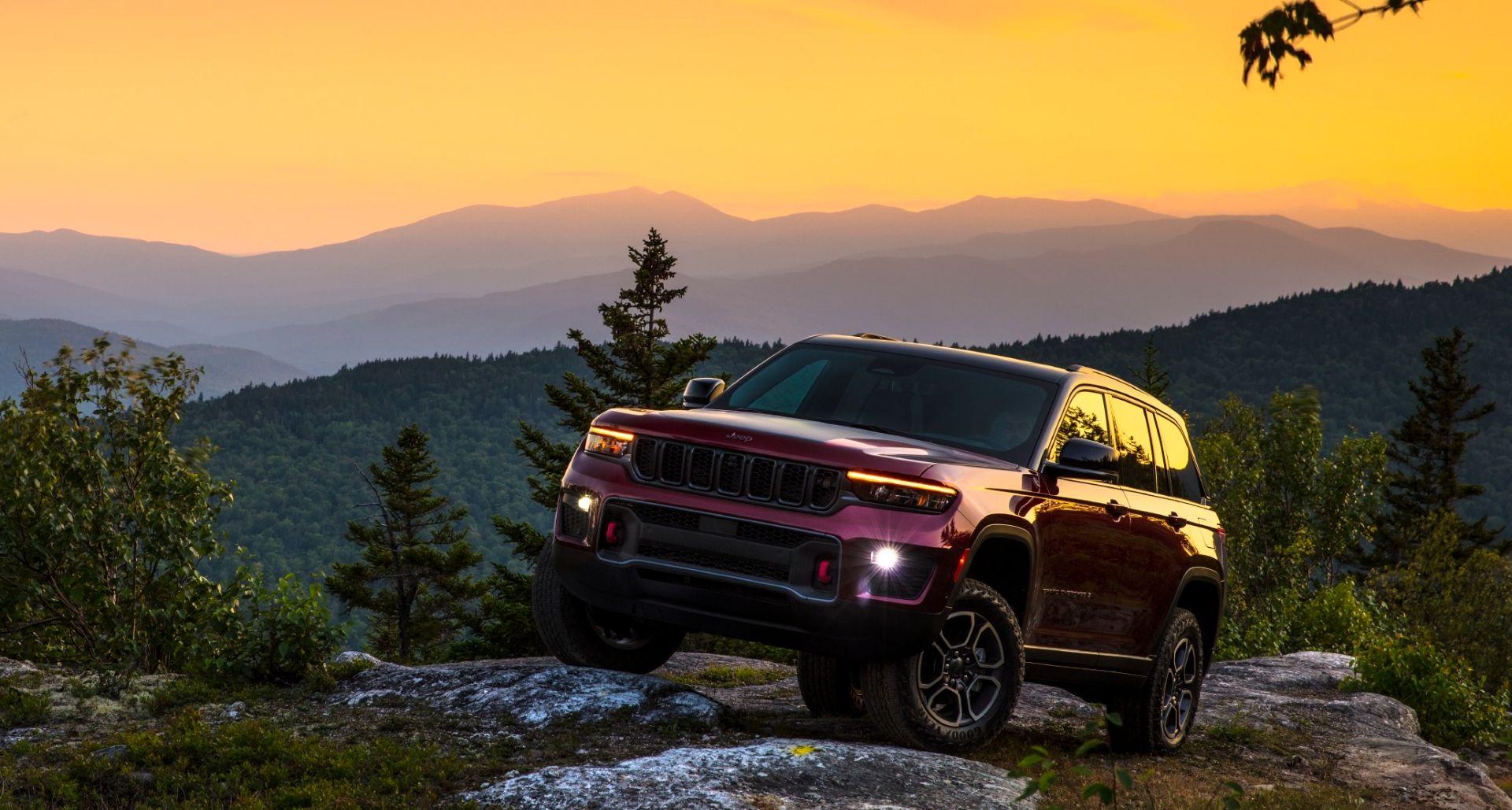 jeep grand cherokee trailhawk vermelho dianteira por do sol