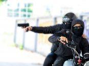 dois ladroes em moto