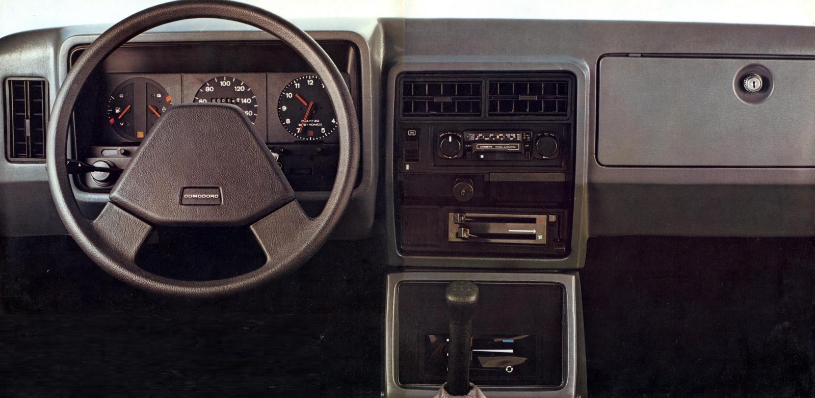 interior com novos painel e volante da linha 1981 do chevrolet opala