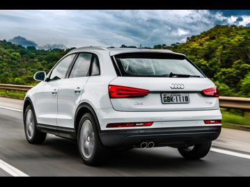 audi q3-14-tfsi-attraction-plus-s-tronic-flex-2017 traseira