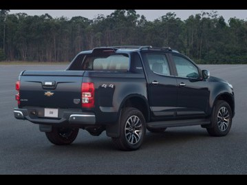 chevrolet s10-28-ctdi-cabine-dupla-high-country-4wd-aut-2018 traseira