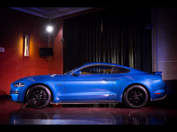 ford mustang-gt-premium-50-v8-2018 lateral