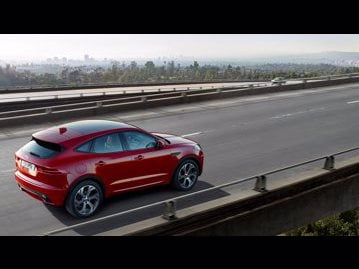 jaguar epace-first-edition-20-4wd-2018 traseira