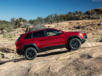 jeep cherokee-trailhawk-32-v6-2015 lateral