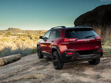 jeep cherokee-trailhawk-32-v6-2015 traseira