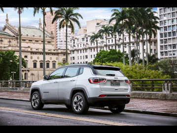 jeep compass-20-limited-flex-aut-2018 traseira