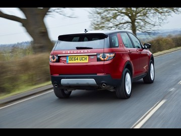 land-rover discovery-sport-20-td4-hse-luxury-4wd-2017 traseira