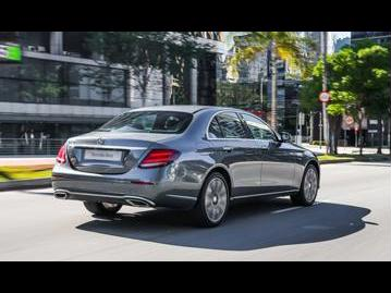 mercedes-benz e-250-avantgarde-edition-1-2017 traseira