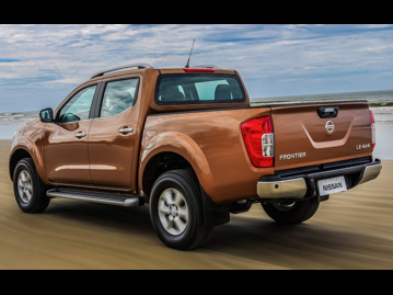 nissan frontier-23-td-cd-le-4x4-aut-2017 traseira