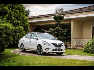 nissan versa-16-16v-unique-cvt-flex-2017 frente