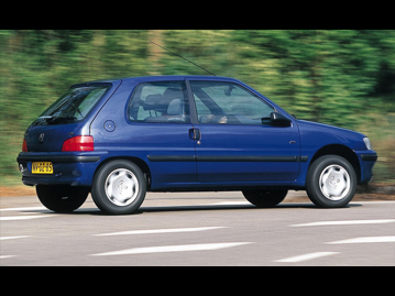 peugeot 106-passion-10-2001 traseira