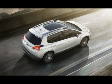 peugeot 2008-griffe-16-thp-flex-2018 traseira