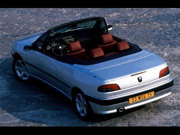 peugeot 306-cabriolet-20-1999 traseira
